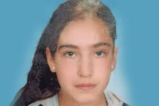 """Cizrede vurulan 10 yaşındaki Cemile 4 gün dondurucuda muhafaza edilse de Davutoğlu'na göre """"tek bir sivil kayıp yok"""" http://t.co/35jvh36GIh"""