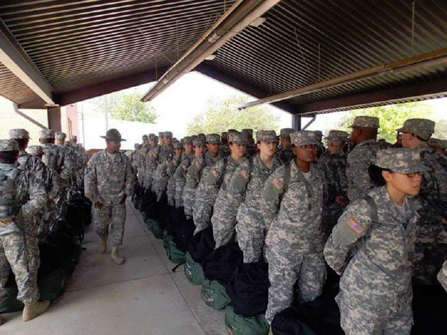 Many of these brave men & women in @USArmy basic training were in preschool on 9/11/01. http://t.co/eEq4lSVWWQ #USA http://t.co/2n0xU3BOFX