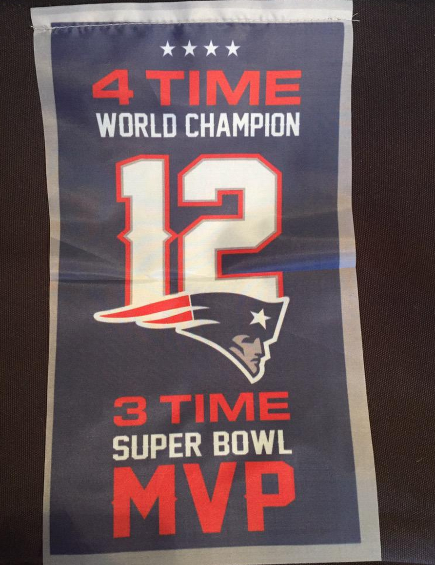 If Tom Brady didn't play tonight, the Patriots would've raised this instead of Super Bowl banner. (via @melissastark) http://t.co/41LrllzNbm