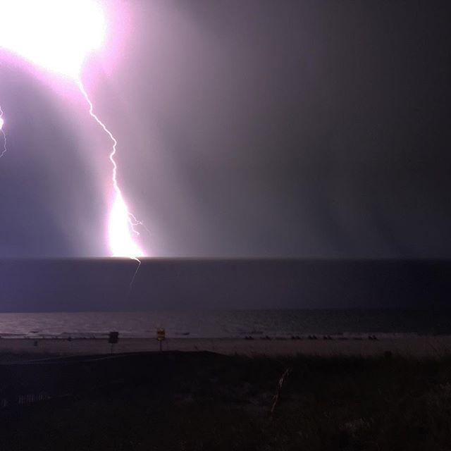 #Lightning in #pcb @spann  http://t.co/6eJUN8GNDx http://t.co/yojpiNAox6
