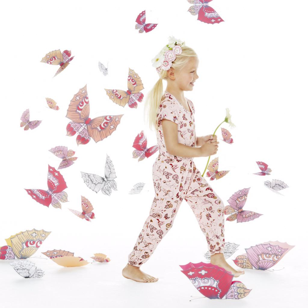 Pretty in pink! Loving our new summery styles from @kardashiankids, available in Australia now http://t.co/2xiA8hIsmn http://t.co/3pzpVIaFtU