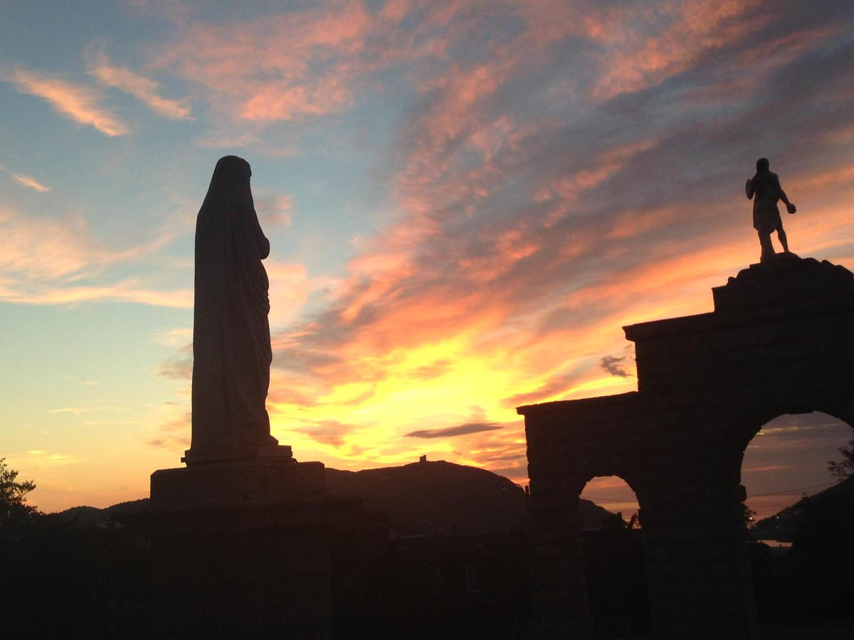Great view of this morning's sunrise from the parking lot of the Basilica. #nltraffic http://t.co/aaPnvHS7Ay