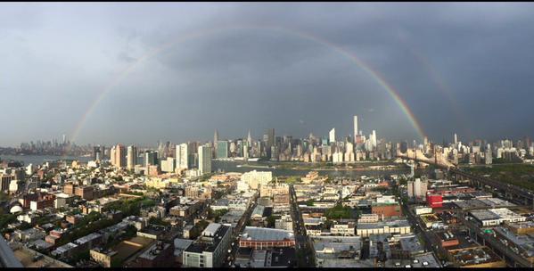 14 anni fa l'#11settembre a New York. Sullo skyline spunta l'arcobaleno http://t.co/TkUO83ISdR http://t.co/vrV7OPur1h