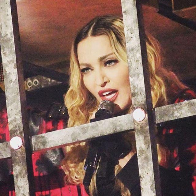I have a cage.........its called the stage!❤️ #rebelhearttour http://t.co/v9y9Sahhuc
