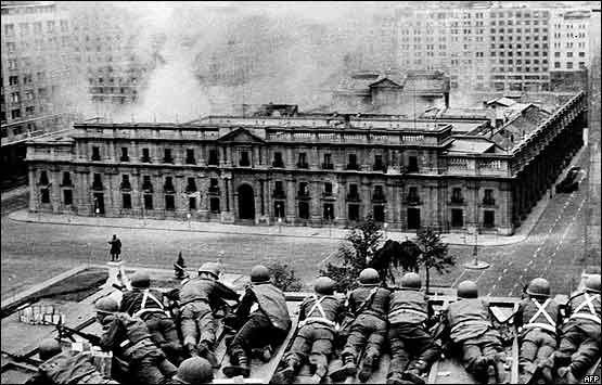 Un 11 de septiembre, hace 42 años el Ejercicio de Chile atacó por vigésimo tercera vez a su propio país. http://t.co/gQ8yyiwovZ