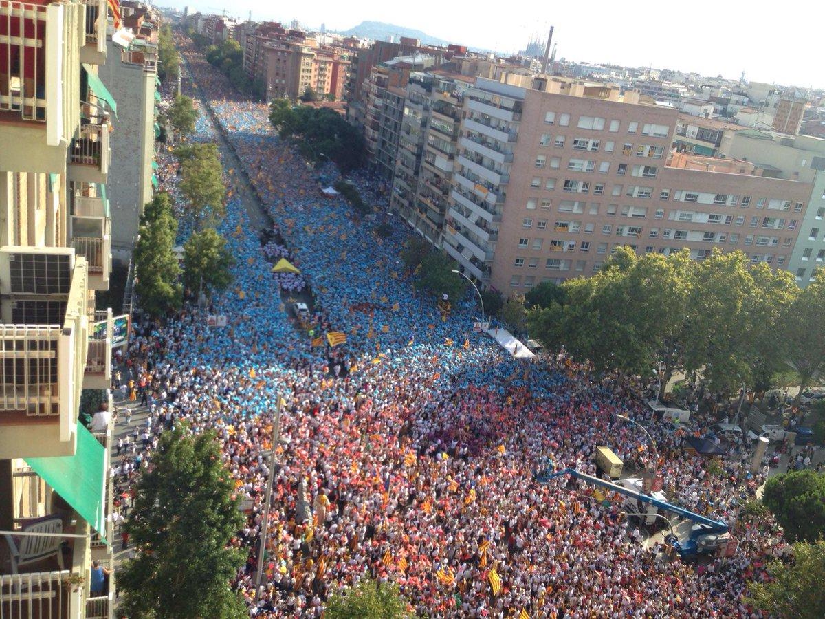 Foto de @marcguell al pas del punter per Meridiana/Garcilaso #viarac1 http://t.co/binabrm2py