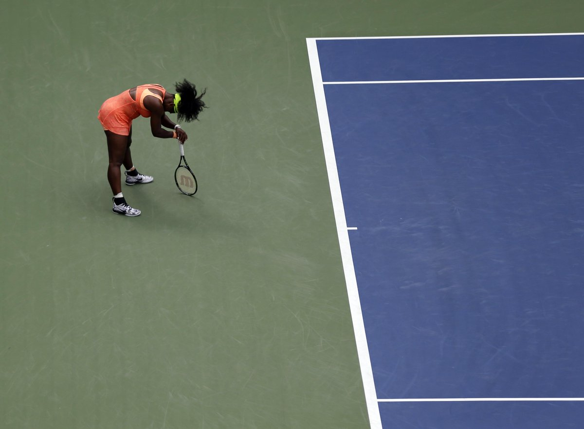 Serena Williams d. Serena Williams. Pressure killed a Grand Slam dream. http://t.co/fL2K9KMnh4 http://t.co/0HbDoOHVtu