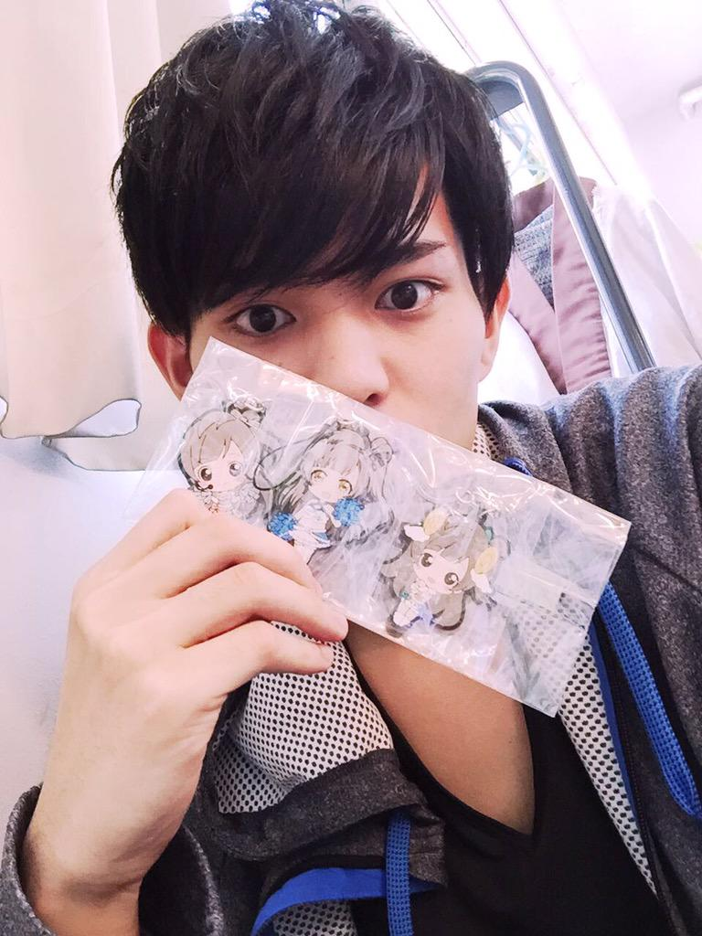 http://twitter.com/BISHIN_KAWASUMI/status/642537200337313792/photo/1