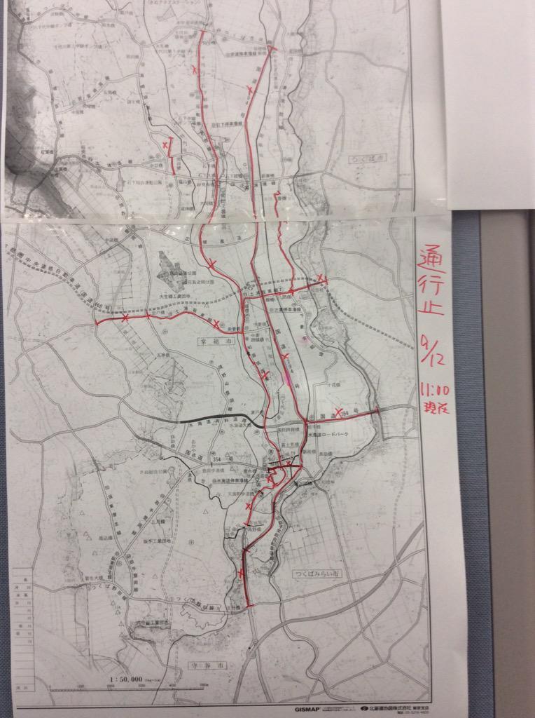 【道路通行止情報】常総市内の道路状況…赤線部分が完全通行止め箇所です。南北に走る国道294号線、県道357号線は市内全区間通行止め。つくば市方面からの国道354号線、土浦坂東線はともに小貝川以西は通行止め。 http://t.co/jSIl8fbJwI