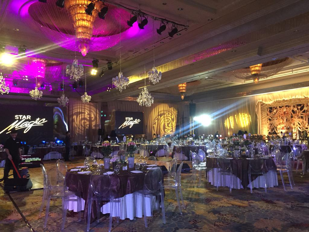 The beautiful & elegant set-up of tonight's #9thStarMagicBall. http://t.co/YKyOHMai61