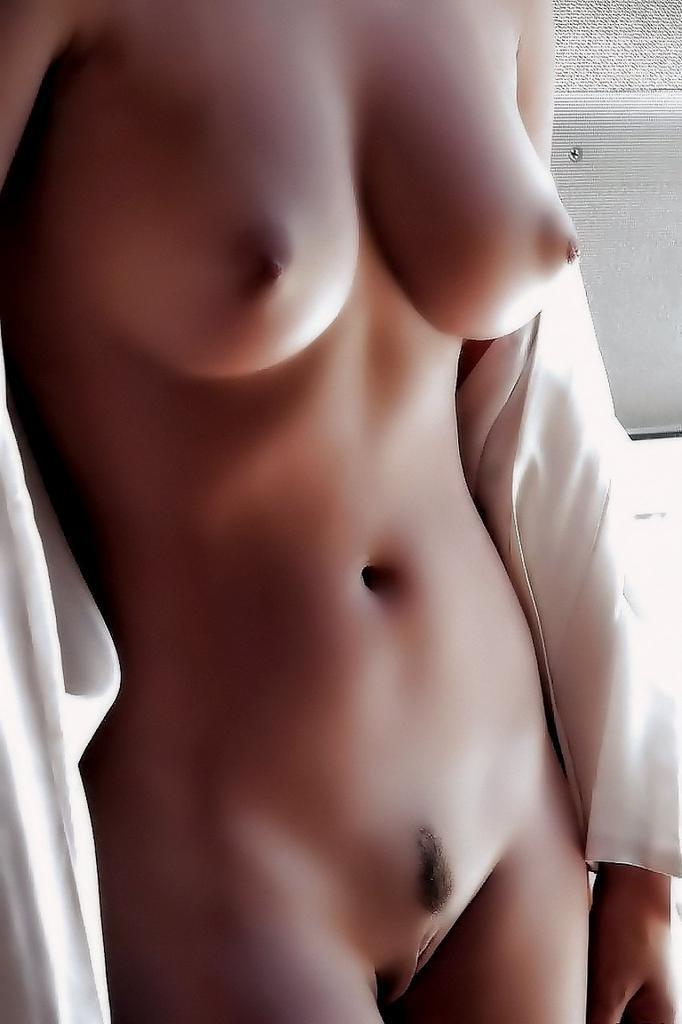 smotret-krasivih-golih-zhenshin-s-krasivimi-soskami