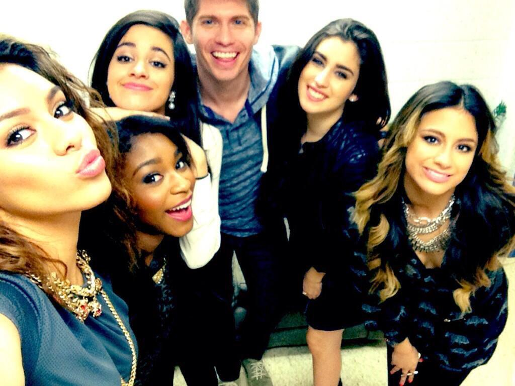 Love when old photos find their way back... @camilacabello97 @NormaniKordei @LaurenJauregui @dinahjane97 @AllyBrooke http://t.co/vzJsZYJFlV