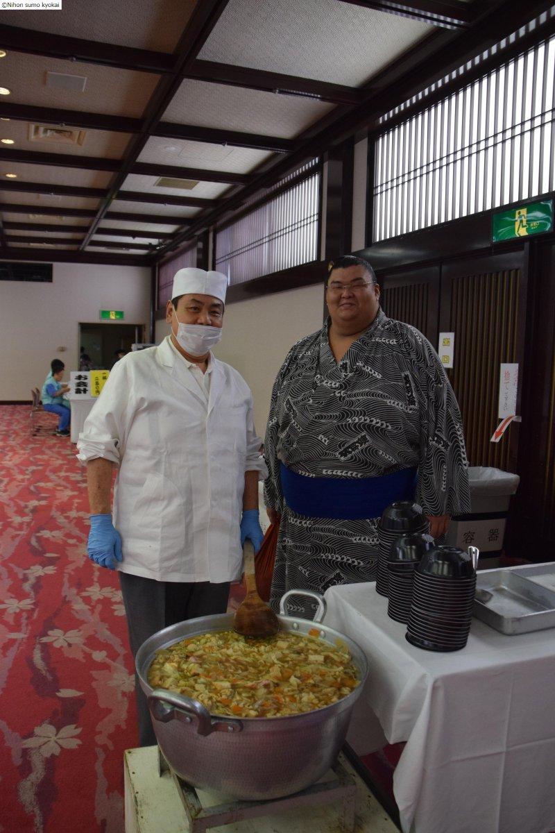 http://twitter.com/sumokyokai/status/642950776667574272/photo/1