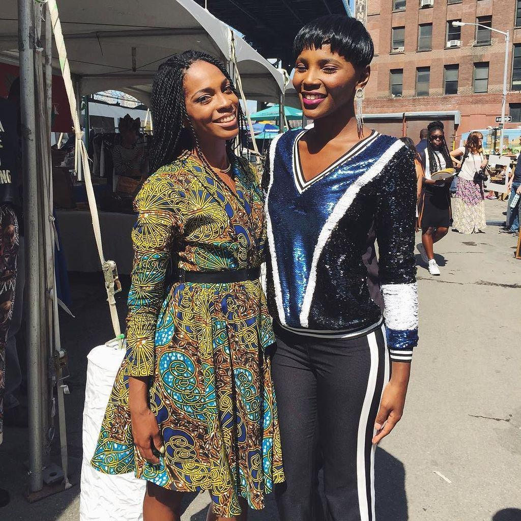 Street Styling at the #EssenceStyle Block Party. @essencemag http://t.co/81uKjg33pg