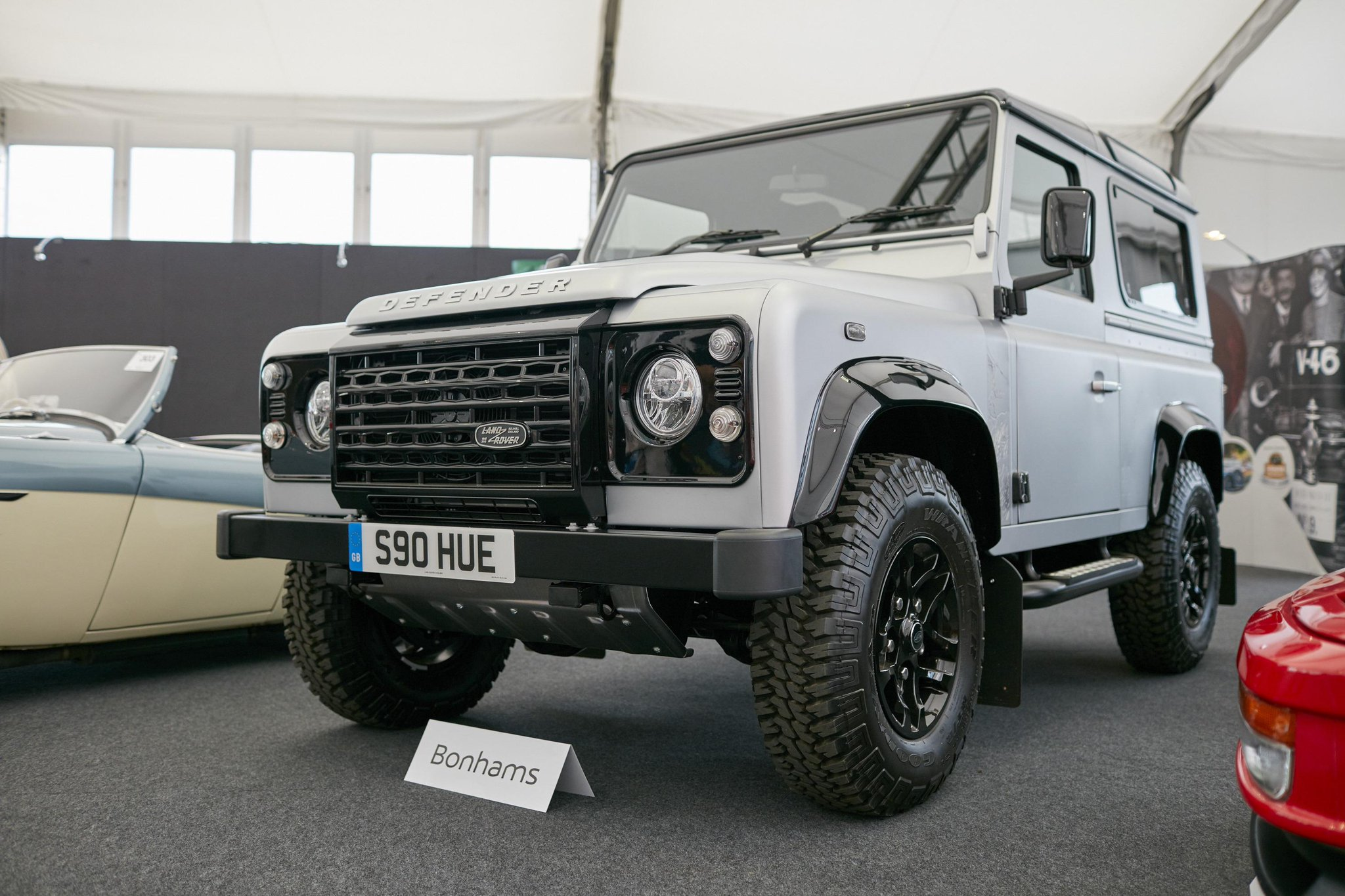 The 2,000,000th Defender is at @Bonhams1793's #GoodwoodRevival stand. Proceeds from its auction will go to charities. http://t.co/clmJCYBRYD