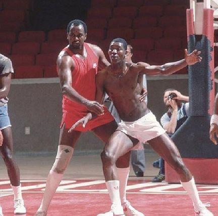Professor Malone and his student Hakeem Olajuwon in the lab at Hofheinz. The classroom was at Fonde Rec Center. http://t.co/LvSMTADT9T