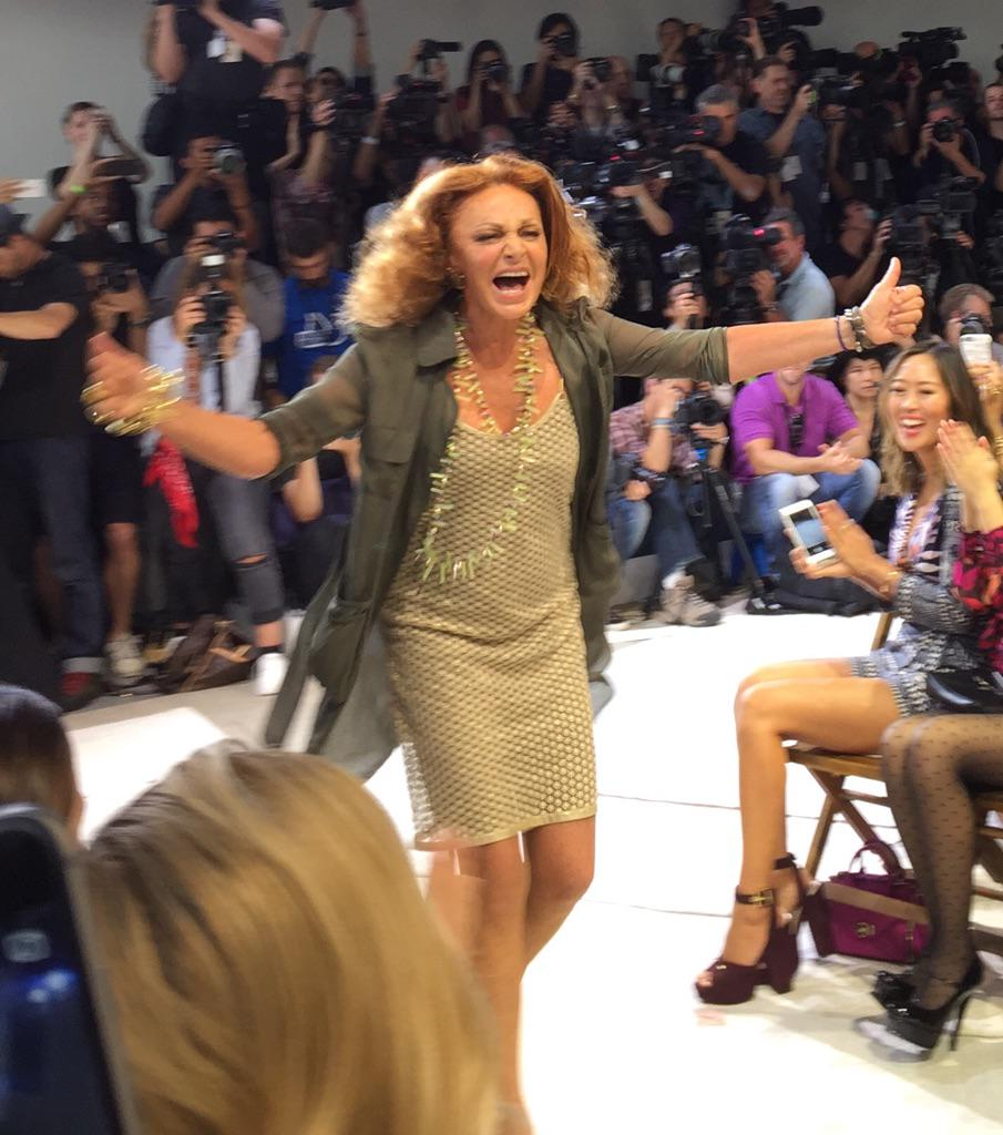 This is the energy level @DVF #nyfw #ss16 http://t.co/ix83aZNJOH