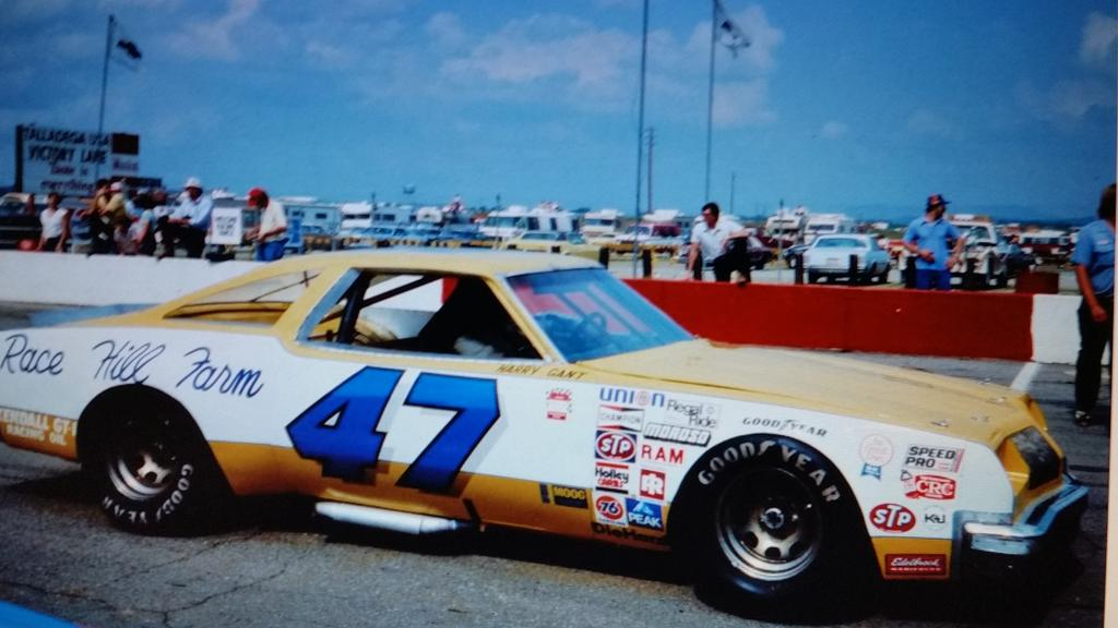 Harry Gant 79 Jack Beebe,Bob Johnson led Oldsmobile 442 @classicnascar http://t.co/5JnJVq5TJF