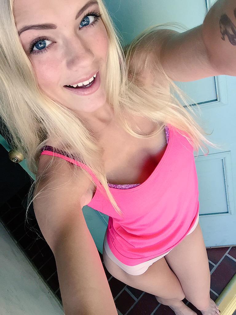 Slutty young blonde Alex Grey licking cock  № 1523633  скачать