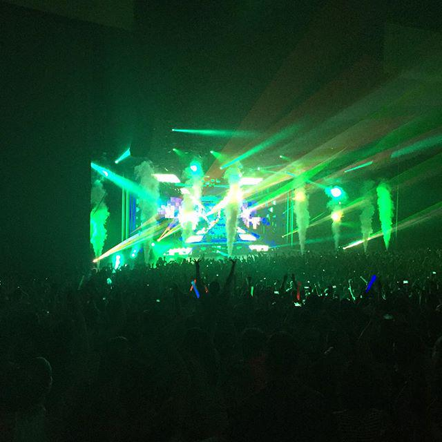 .@Zedd had us dancing the roof off of #ComericaTheatre last night! Awesome pic by @tonyrenello http://t.co/kafRWFE3qs