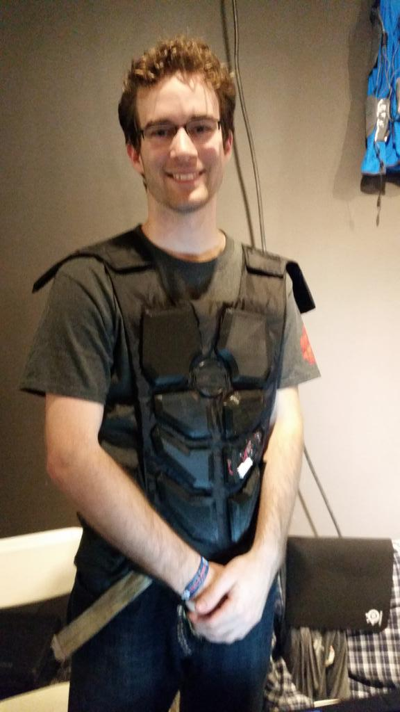 """The @NullSpaceVR haptic feedback suit is """"the first suit that lets you punch people over the internet"""" #WMF15 http://t.co/OiVTRR7wzO"""