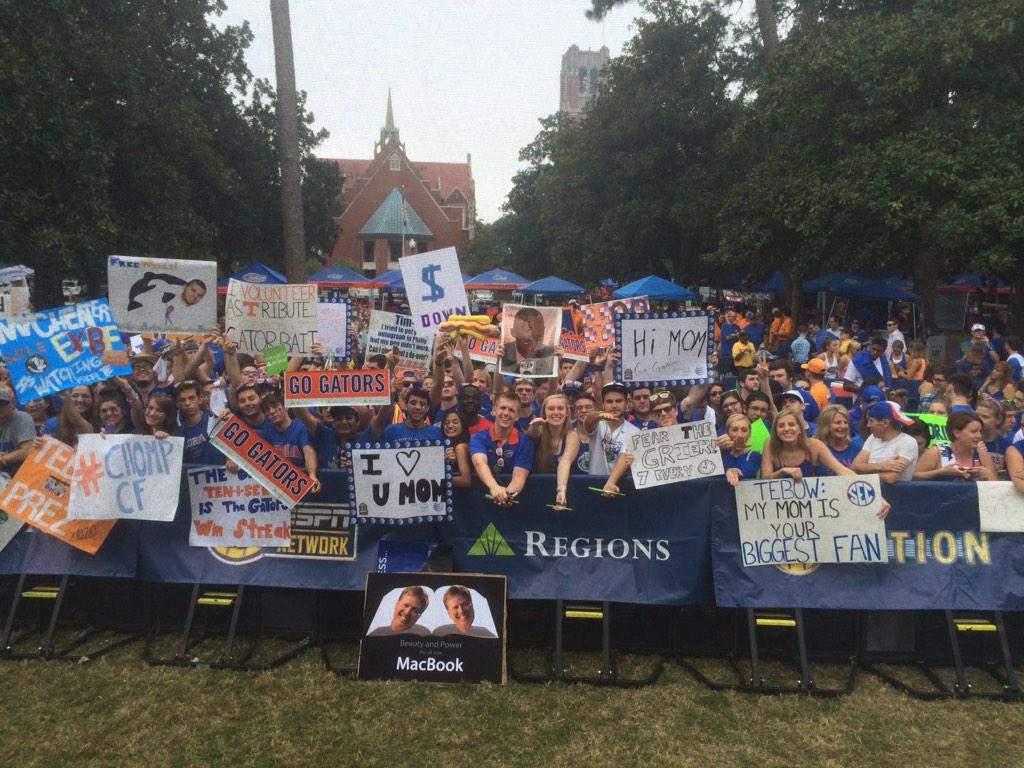 Gainesville is a town of early risers. #SECNation @UF @GatorsFB http://t.co/iwHIOhfsye