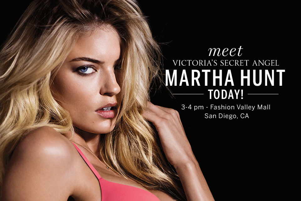 .@iammarthahunt can't wait to meet you, San Diego! Stop by 3-4pm TODAY.  http://t.co/zAaA6eTgXr #SexiestCity http://t.co/zd2HeKJDUT