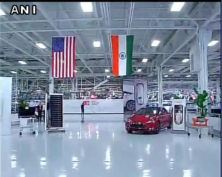 Pm narendra modi at tesla motors in palo alto california for Tesla motors palo alto