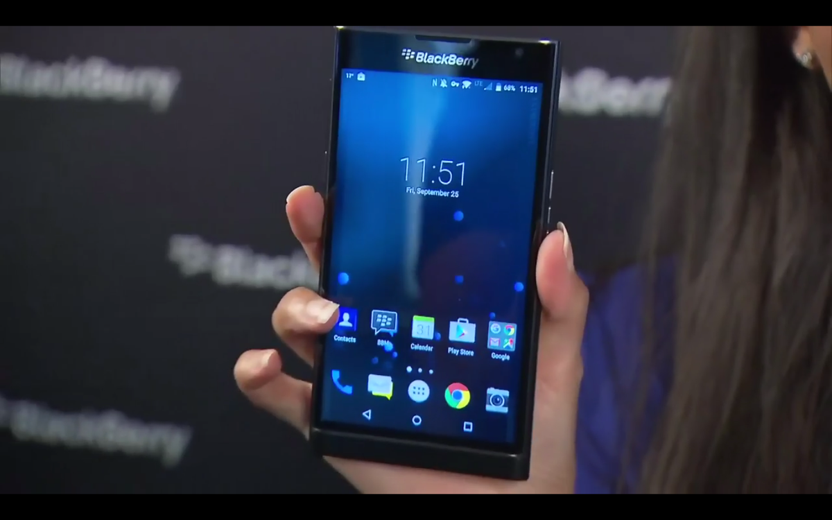 "BlackBerry Priv hands-on video reveals capacitive keyboard, Qualcomm and ""all that good s... http://t.co/7DX7fDiTdf http://t.co/hQUBVgjuoZ"