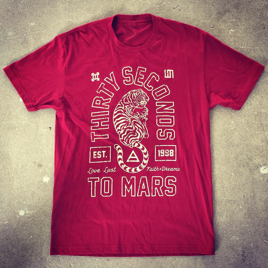 RT @30SECONDSTOMARS: A @JaredLeto favorite, get nice + cozy in this #MARS Tiger Tee from the @MarsStore → http://t.co/8oBvEfd5cN ???? http://t…
