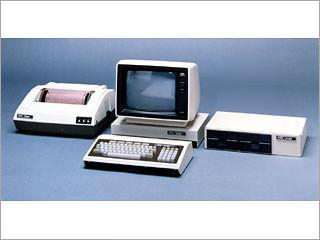 おはようございます。 今日9月28日はパソコン記念日です。 1979年にNECがPC-8001を発売したことに由来するとか。 友人が持っていて羨ましかったなあ。 http://t.co/AwxovrtWKm