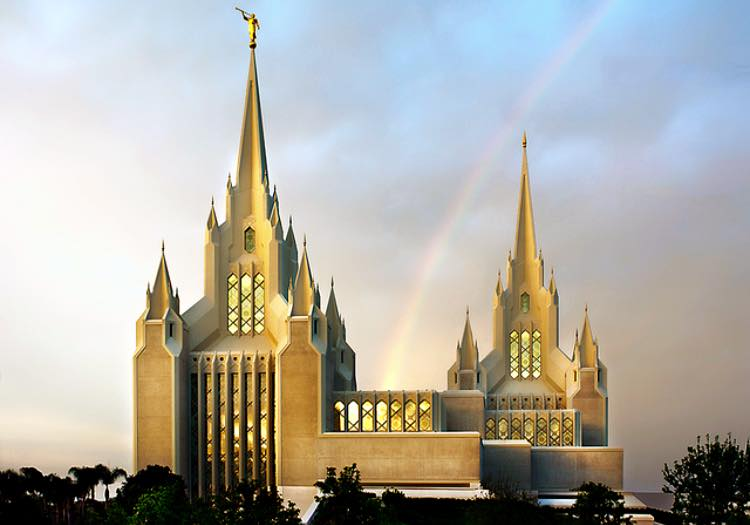 Things that endure,that are real, that are important are those represented in the temple of God #LDS #SanDiegoTemple http://t.co/xD951zTG6q