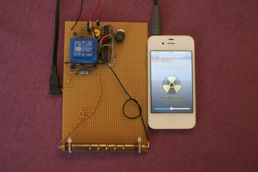 When I was 17, I built a Geiger counter for iPhone and flew without hassle with nuclear material. #IStandWithAhmed http://t.co/I7aboK6Fu0