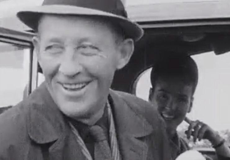 Brilliant. Bing Crosby sings Galway Bay @DublinAirport on this day in 1966 via @RTEArchives.