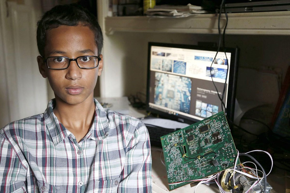 From One Muslim Inventor to Another, our founder @ayahbdeir's letter to Ahmed http://t.co/vF0SX93HA2 #IStandWithAhmed http://t.co/8ajmygKgIJ