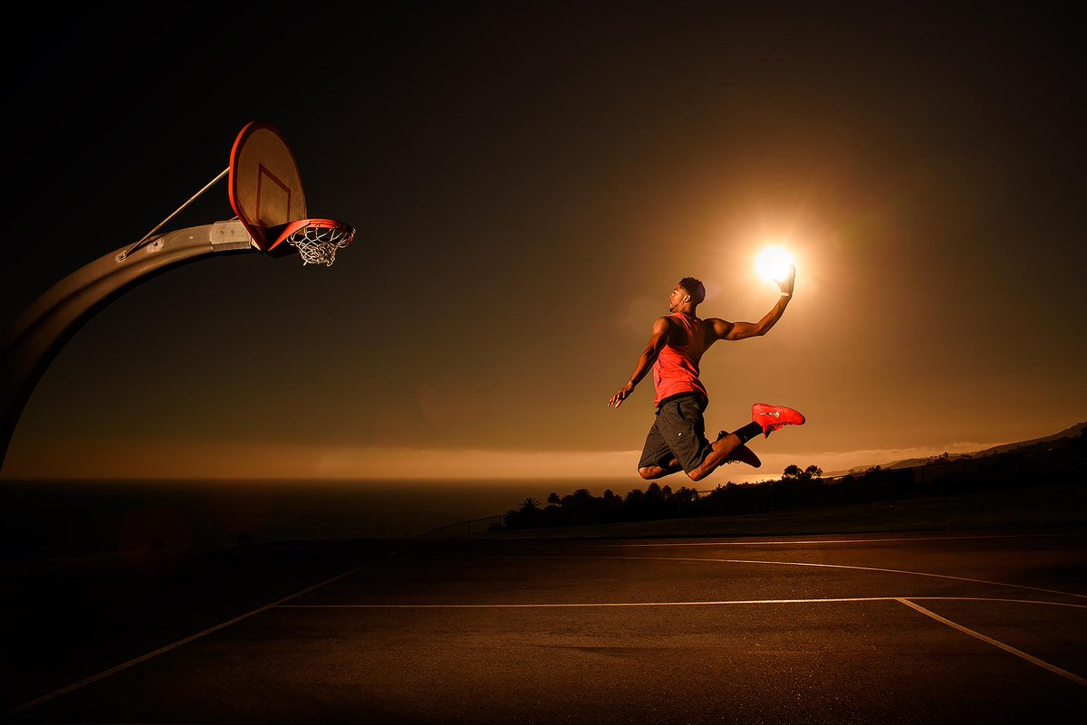 Thanks for a great shoot! @NBA star @AntDavis23 dunking the (ACTUAL) sun like its no big deal http://t.co/T9mfnOtiVK http://t.co/L1mhqdYmMr