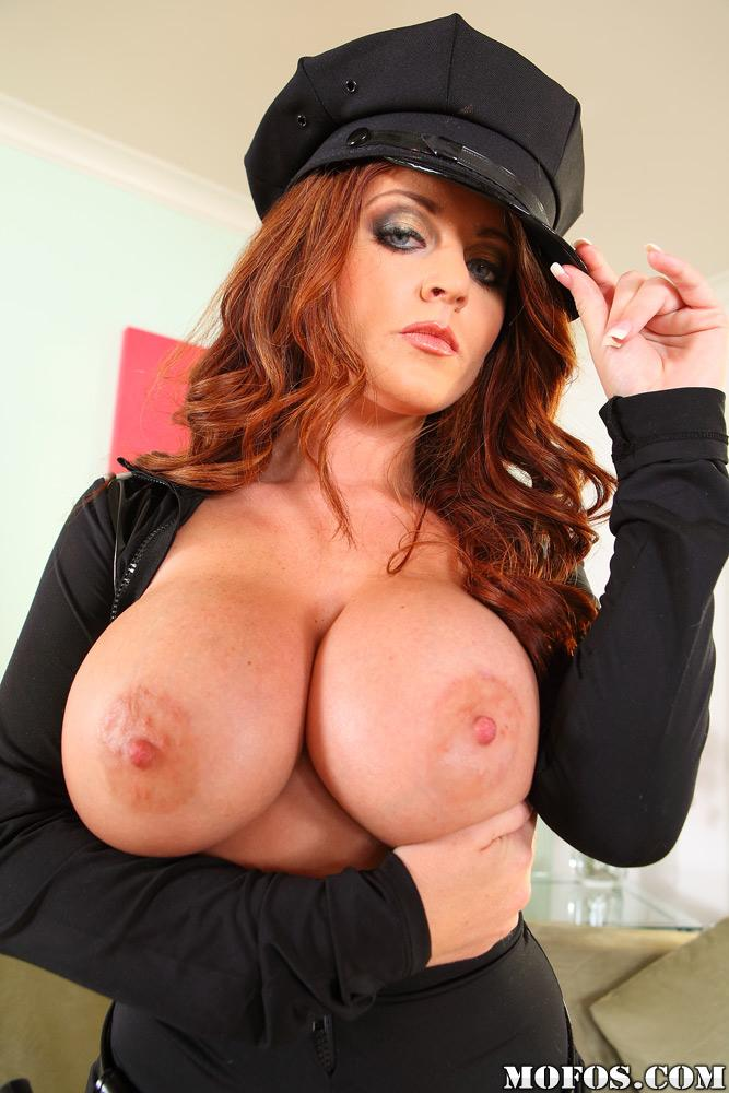 HEY YOU! YEAH YOU, FOLLOW @mofosnetwork  FOR THE HOTTETS PORNSTARS, LIKE SOPHIE DEE! http://t.co/DF4StAapzw