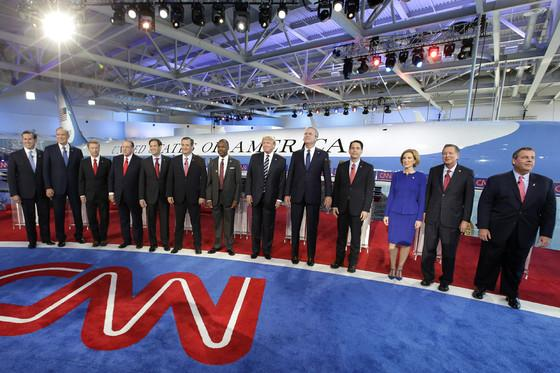 Snakes in Front of a Plane #gopdebate http://t.co/rXiFxAH9Fh