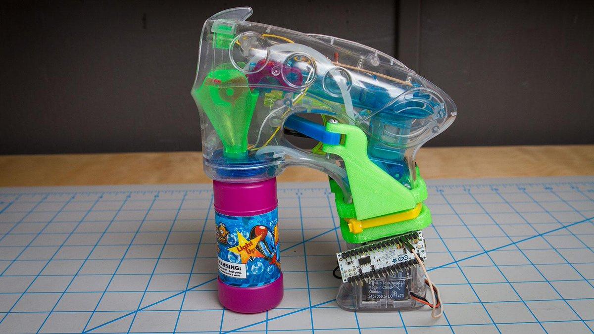 Arduino para controlar una pistola de pompas de jabón