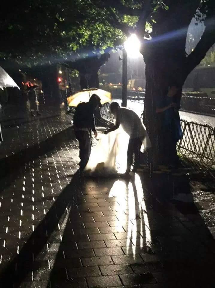 【画像】SEALDs、ゴミ拾いを開始