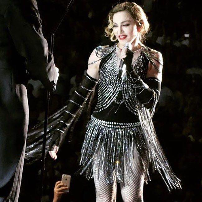 Luckiest Girl in The World!! Thank you NY City‼️???????? ❤️ #rebelhearttour http://t.co/opVX61xSpU
