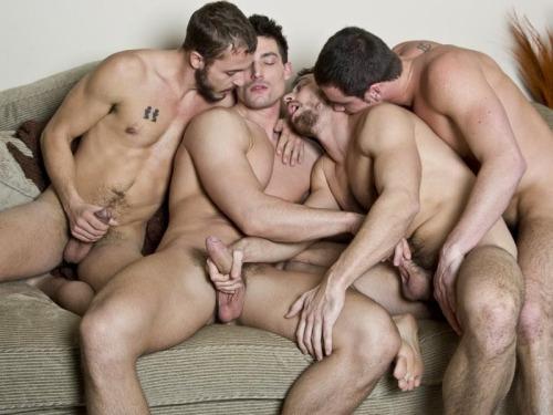 геи групповой секс фото