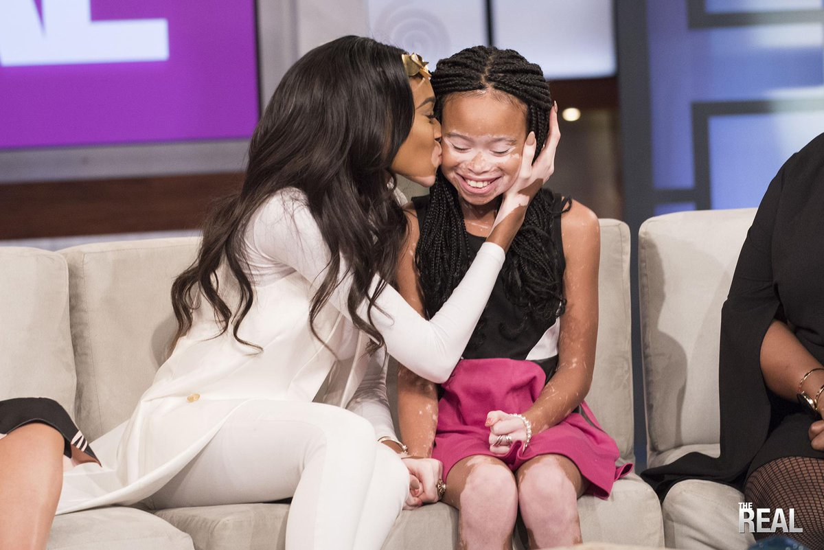 We have to stop trying to create a single definition of beauty. YOU are beautiful. Love YOUR beauty. @TheRealDaytime http://t.co/c5jxTqRZrM