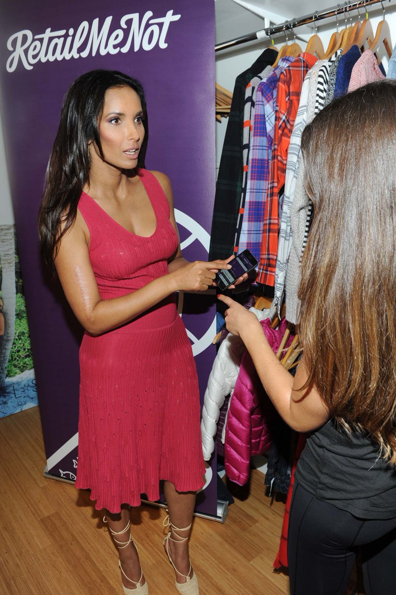 Padma Lakshmi at shopping app @RetailMeNot 's Fall Essentials event at a showroom in NYC. Do YOU have the app? #ad http://t.co/IsFrFBKAm6