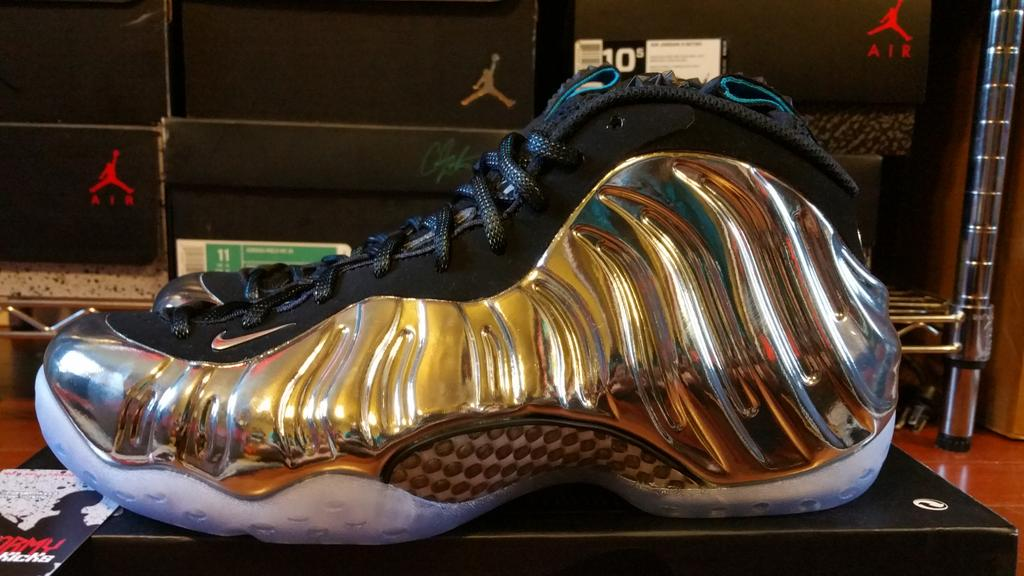 Since everyone hates foams now. no one would want this ds sz 8 for 500 plus fees right? @MicNice @RetailTuesday http://t.co/2n7M80FeT7