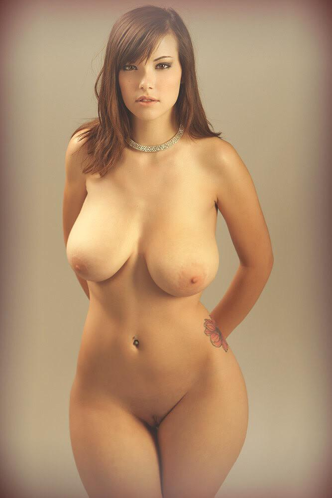 Фото голых девушек с красивой талией