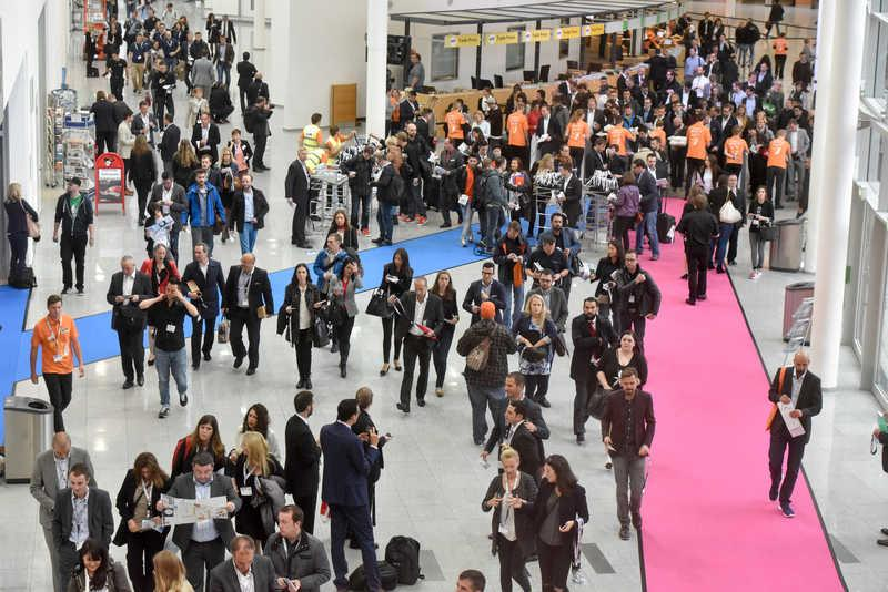 WOW 43,000+ visitors!!! #dmexco 2015 connects the global #digiconomy! A big thx to all of you! #BridgingWorlds http://t.co/9fPayNLRws