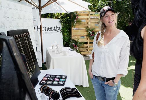 @TeriPolo1 looking gorgeous on the first day of our Style Lounge with @souljourneydesign ! http://t.co/sB5JWtHFN6
