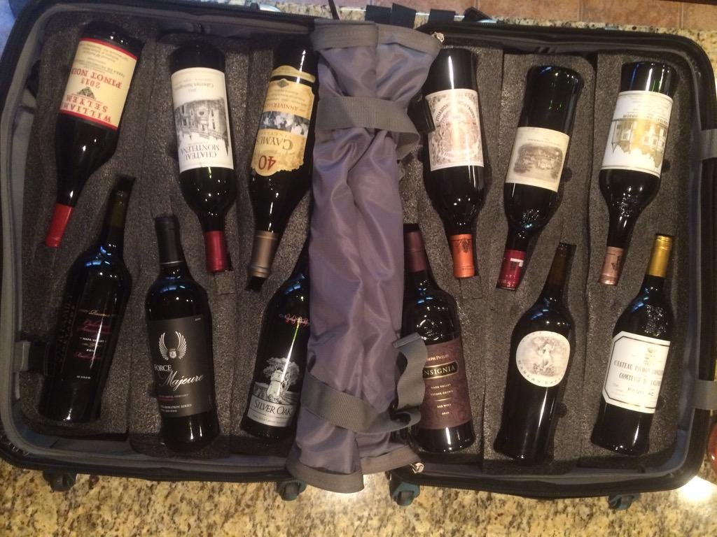 VinGarde Valise Wine Suitcase  New post from: http://t.co/EGO8fA8bW7   You gotta see this! #wine #winetravel #travel http://t.co/h74cIS9L38