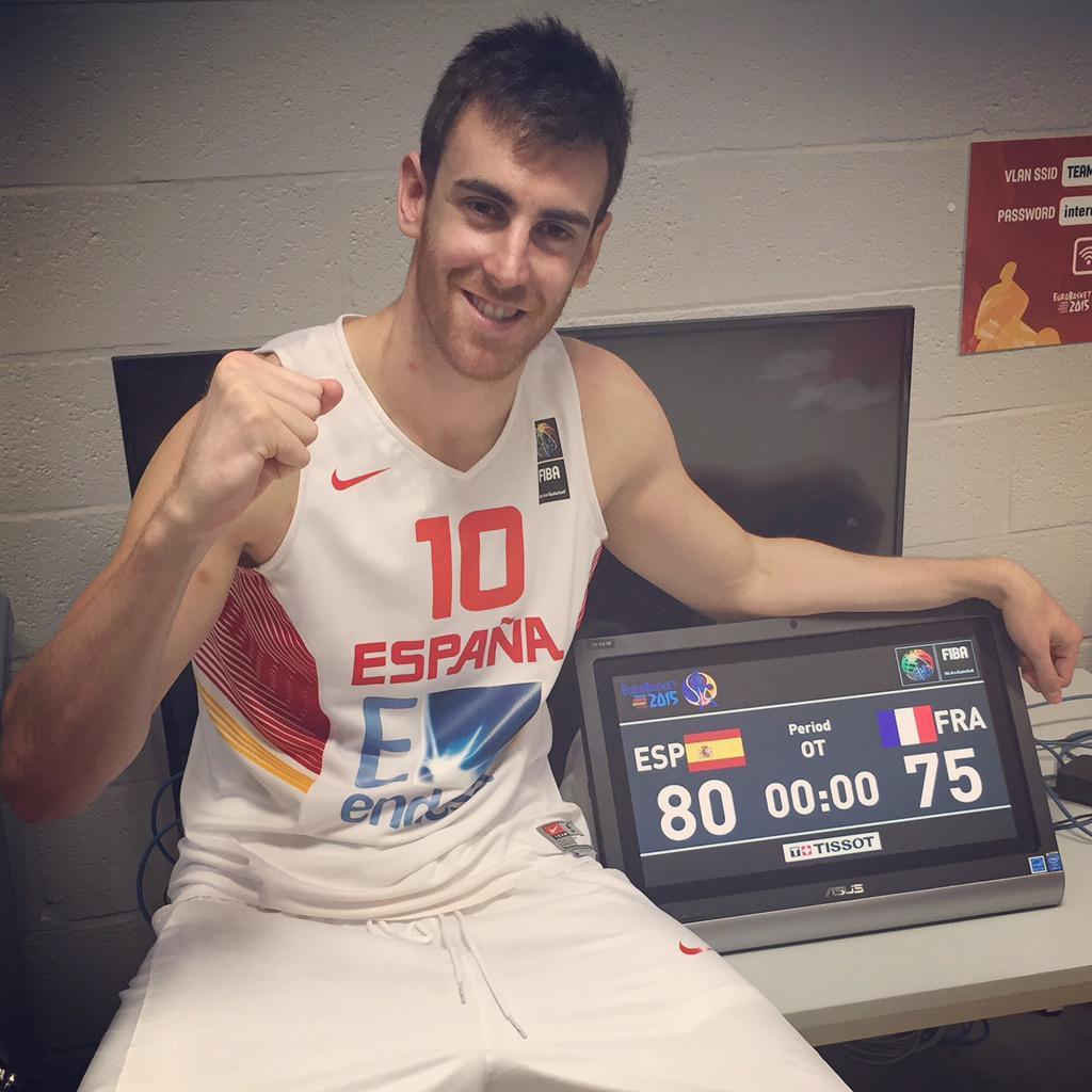 Vamoooooos! Estamos en la Final del #Eurobasket2015 y clasificados para los #JJOO de Rio!